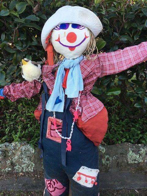 Sydney Edible Garden Trail - Turramurra Lookout Community Garden scarecrow